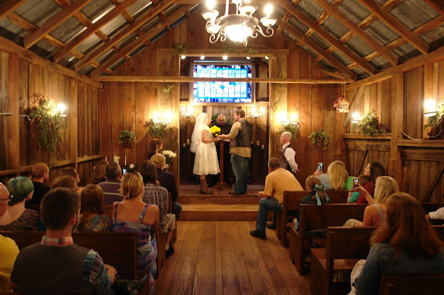 Country Jewell, Knoxville, Heiskell TN, wedding venue