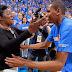 """Kevin Durant: """"Tú eres la verdadera ganadora"""" le dice a su madre al recibir el MVP."""
