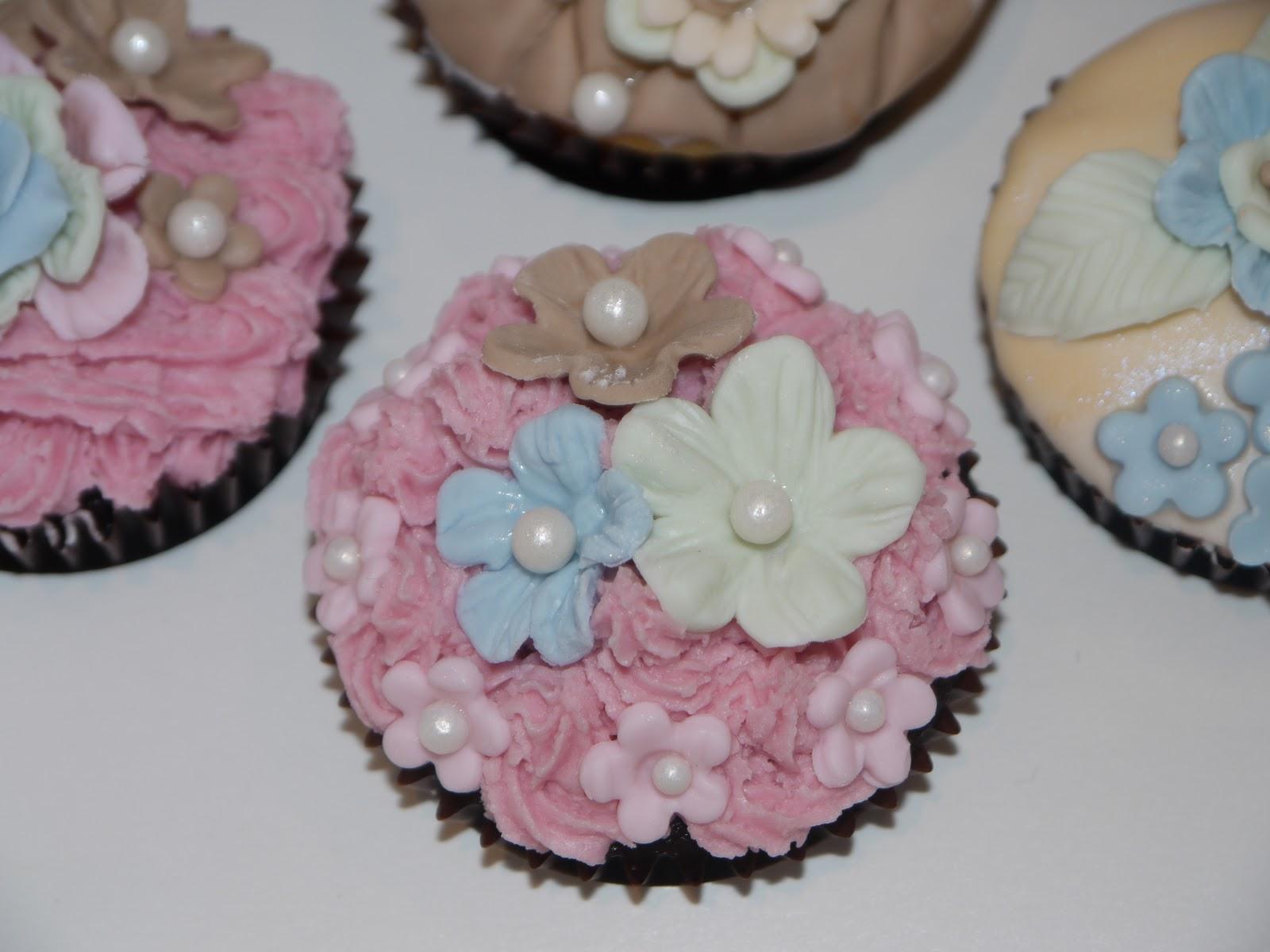 Sugar on Top: High Tea Cupcakes - Shabby Chic