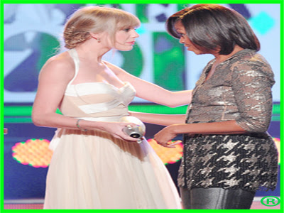 Michelle Obama Dotes Taylor Swift