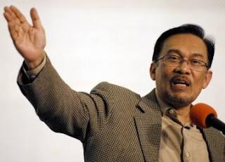 Anwar Ibrahim Dituding Jadi Penganut Hindu