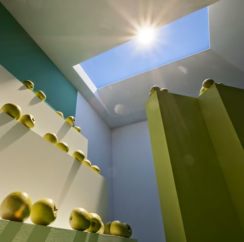 11-Gallery-CoeLux-Natural-Illusion-Sky-and-Sun-in-a-Led-Light-www-designstack-co