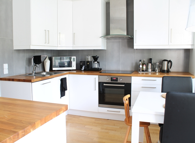 white kitchen valkoinen keittiö korkeakiiltoinen