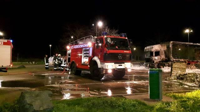 05.12.2015 - LKW-Brand A38 Rastplatz Eichsfeld