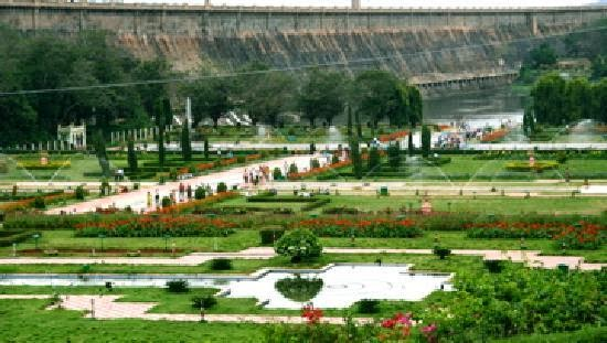 Discover India Things to see do in Brindavan garden Mysore
