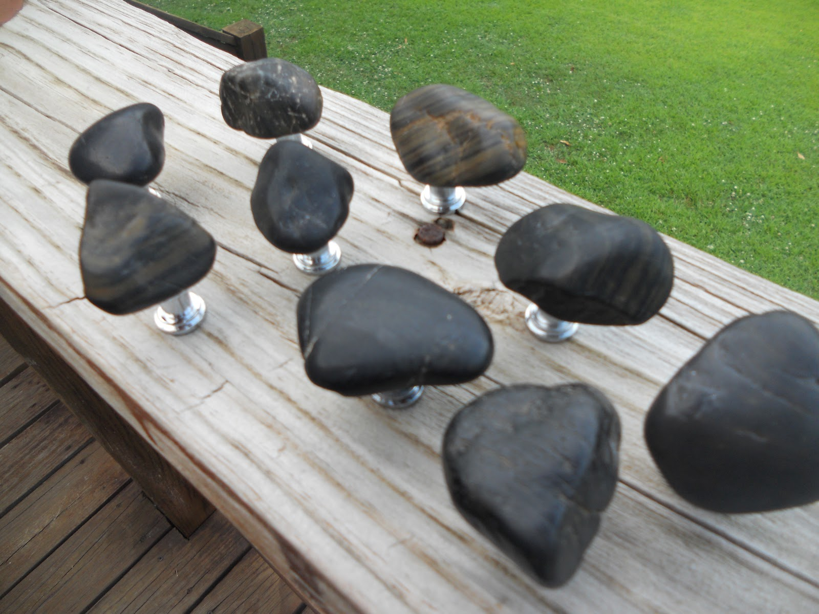 Incroyable Http://www.river Rock Designs.com/set Of 9 Black Rock Cabinet Knobs/
