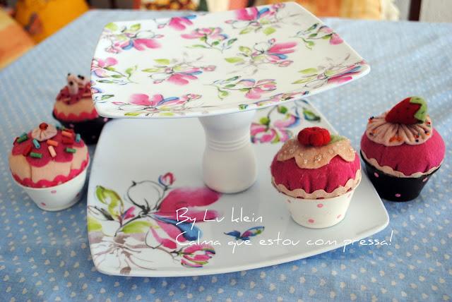 Artesanato Feito Com Juta Passo A Passo ~  PRATO DE DOIS ANDARES PARA CUP CAKES ! COM TUTORIAL! CALMA, QUE ESTOU COM PRESS