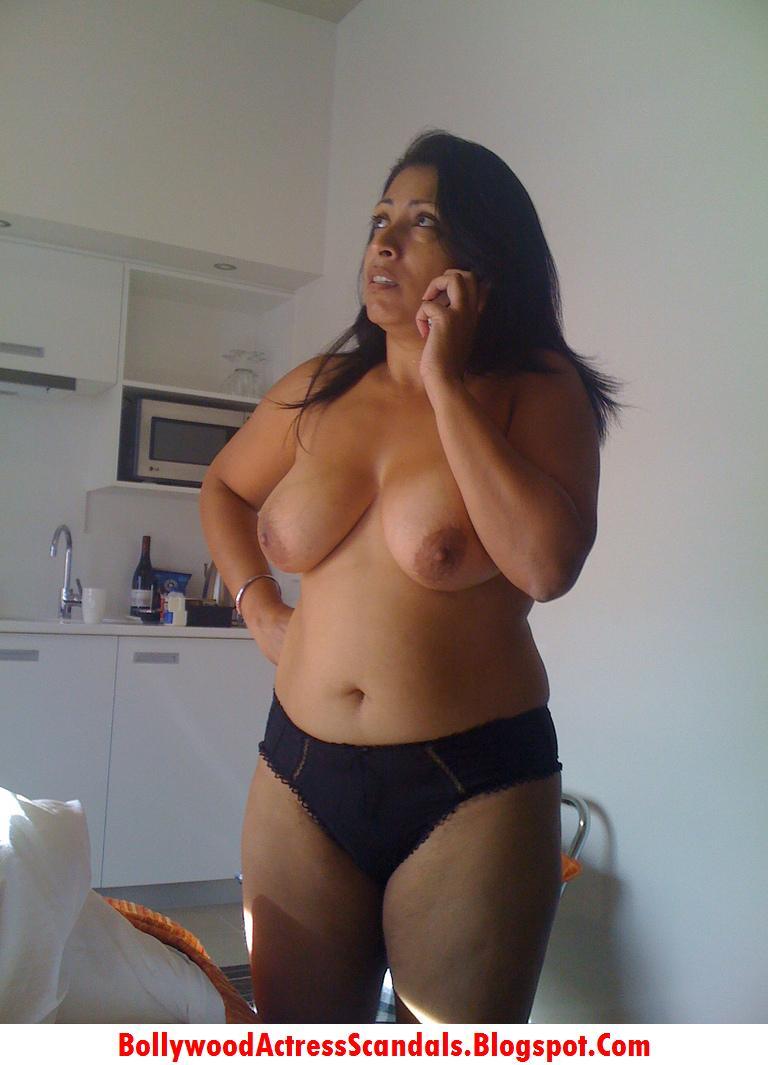 Aunty nri hot nude mallu