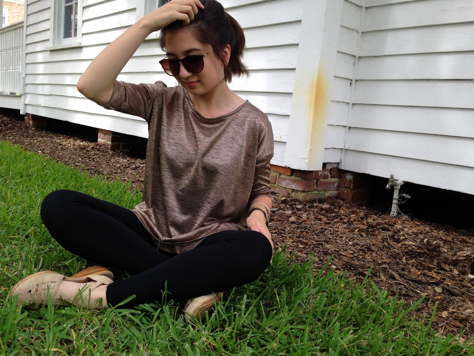 Fall Neutral Leggings Outfit Boyfriend Pizza Surprise, tumblr girl leggings outfit, tumblr h and m outfit, shiny brown tunic outfit, how to wear, brown sunglasses, target, forever 21 black leggings outfit, style, picnic, bestie