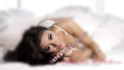 Foto Seksi Vitalia Sesha Model Majalah Dewasa