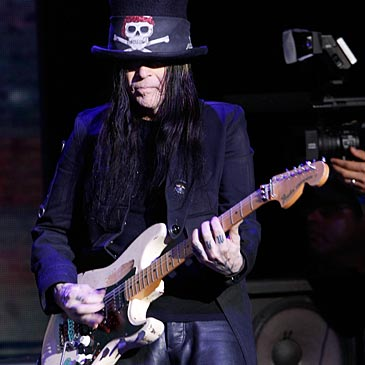 mick mars pictures-3