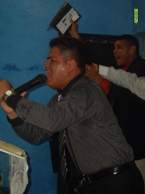 PRESBÍTERO CHARLES RODRIGUES