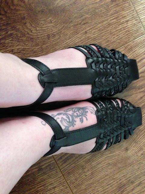primark black flat sandals