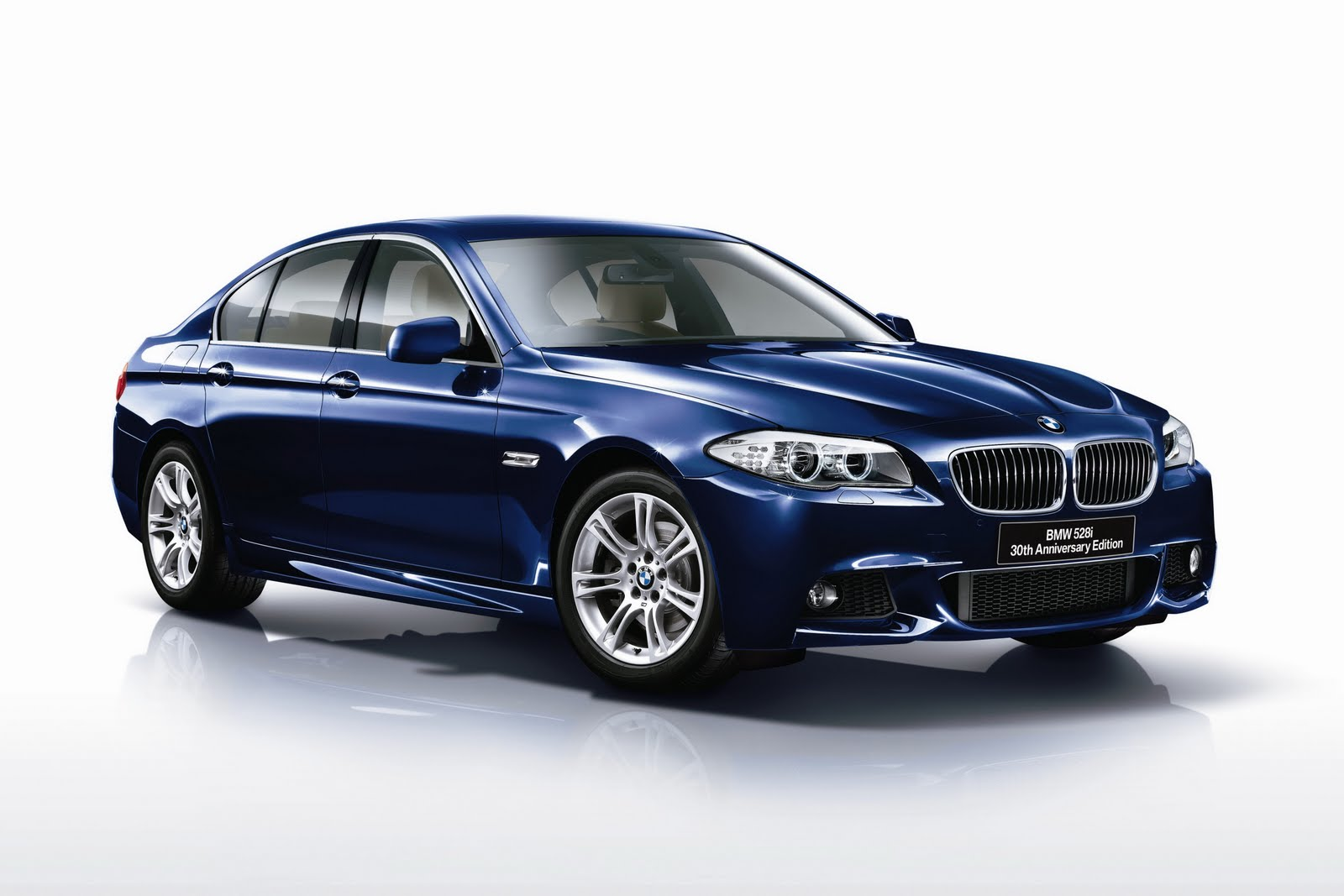 Yesterday we had the all new BMW 528i 2 0 Twin Power Turbo 245 bhp