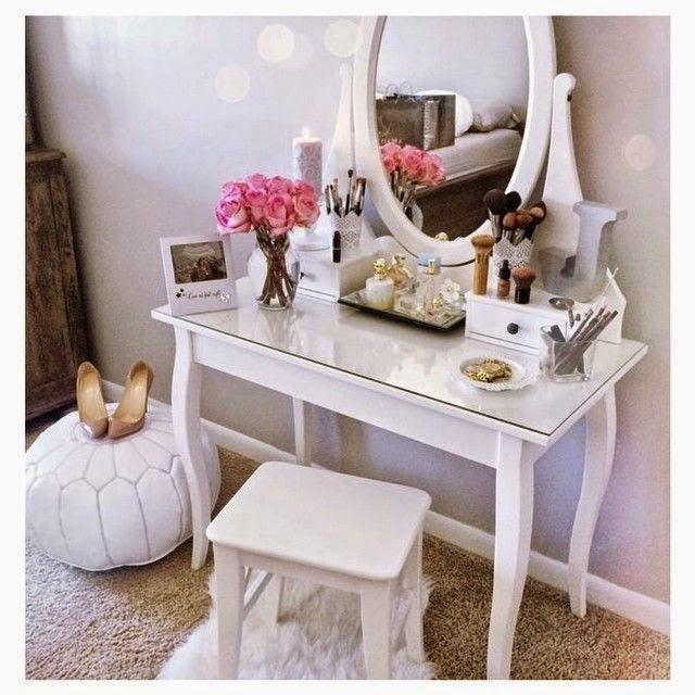 home decor toucadores penteadeiras uma recente paix o. Black Bedroom Furniture Sets. Home Design Ideas