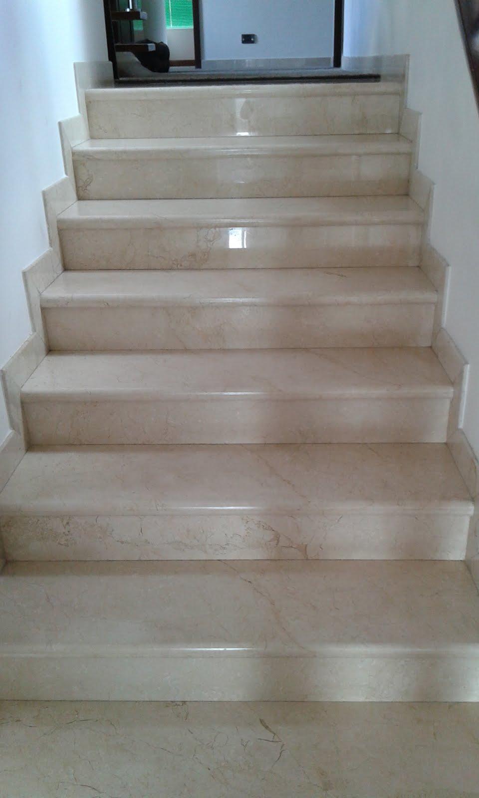 Escaleras en Mármol