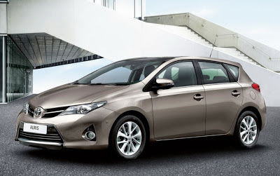 Noul Auris model 2013 de la Toyota