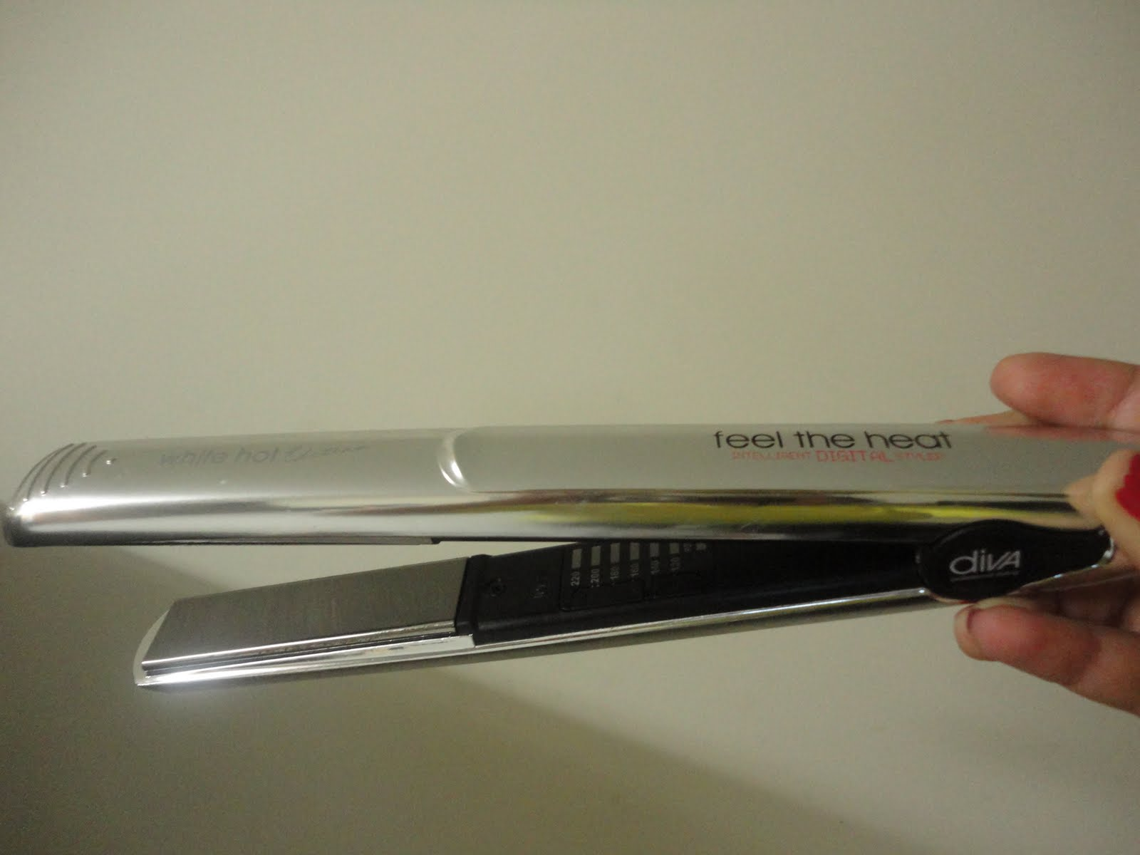 The Glamorous Diva Feel The Heat Titanium Straightener Review