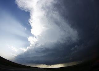 oklahoma dihajar tornado, 51 tewas wni selamat