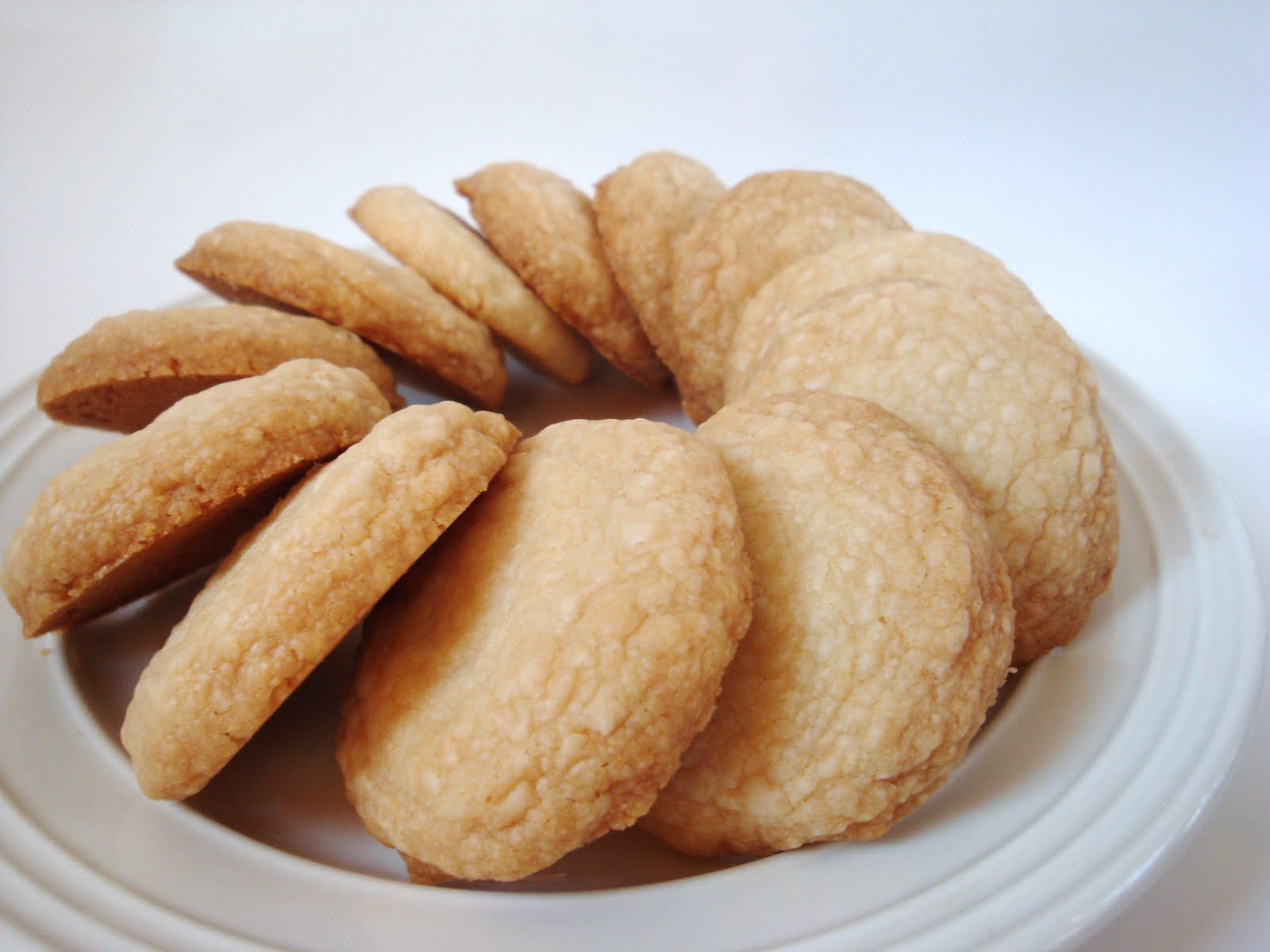DAILY DOSES OF SUGAR: Coconut Butter Cookies
