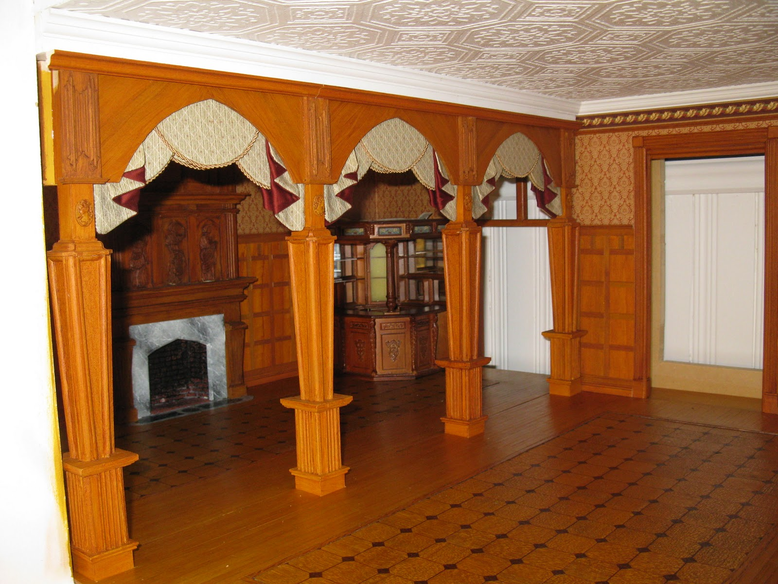 Late victorian english manor dollhouse 1 12 miniature Victorian columns