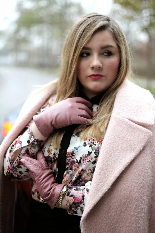 Plus Size Outfit rosa Mantel und Bluse