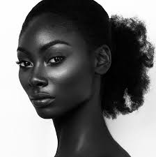 BLACK SKINNED BEAUTY OOO!
