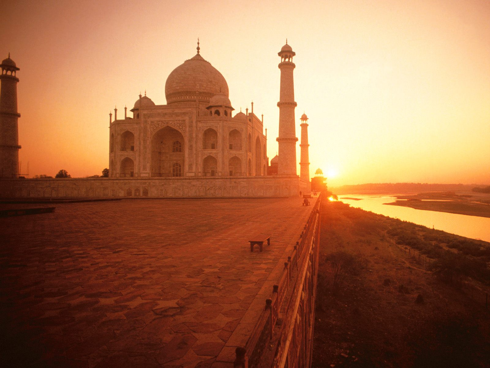 a visit to taj mahal Taj mahal out of many places i visited all around the world, the place i like the most is the beautiful city of agra it's a quite town located on the north of india.
