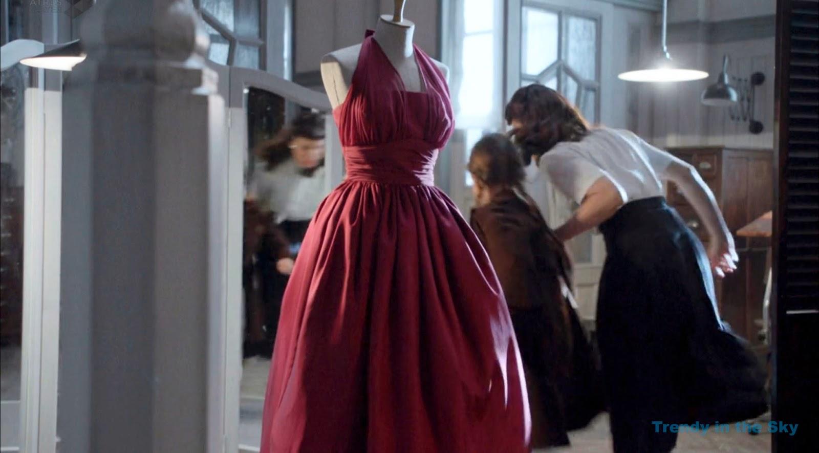 Galerías Velvet Ana vestido granate. Capítulo 1.