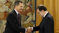 POLITICA: Mariano Rajoy saluda al Rey Felipe VI.