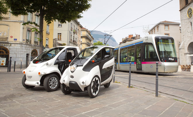 i-Road and Coms EVs plus a tram in Grenoble