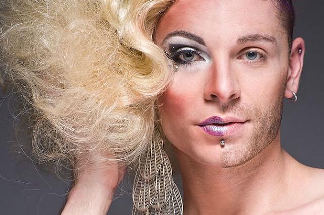 Fotografías de transfiguración de travestis, mitad de la cara mujer ...