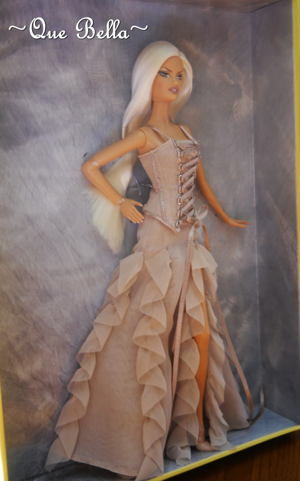 Que Bella Versace Barbie