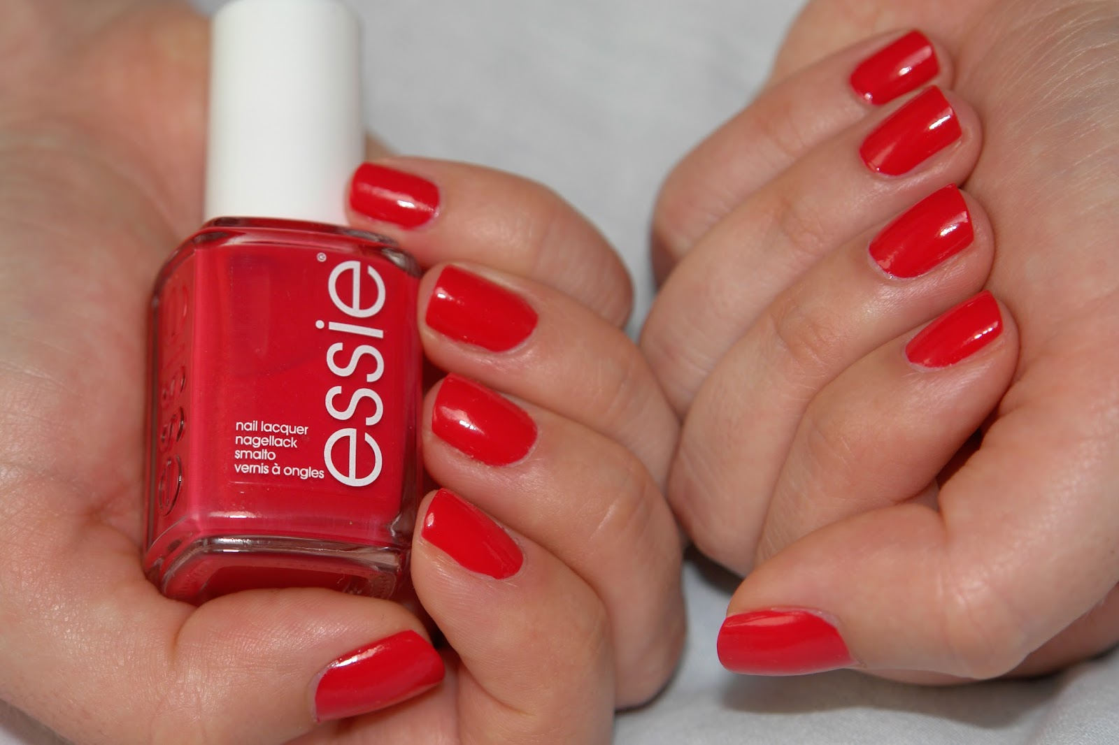 NAILS: Essie too too hot, Essie, nail polish, nails, NOTD, red, swatches, beauty blog, top uk blog