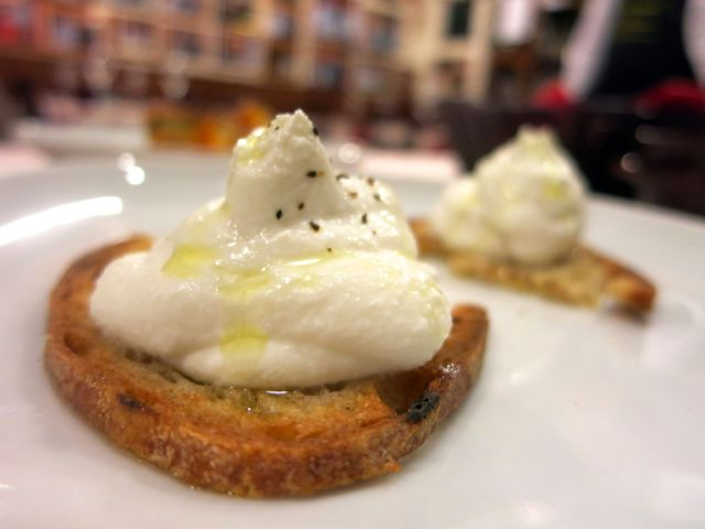 Trattoria da Danilo, Rome: Crostinio di Ricotta