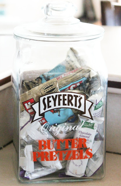 glass jar, vintage jar, pretzels, budget decor, personalized decor, how to,http://bec4-beyondthepicketfence.blogspot.com/2015/10/personalizing-your-home-on-budget.html