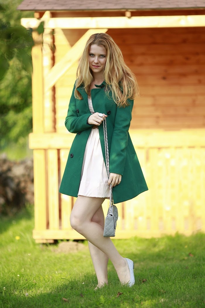 lucie srbová, style without limits, green coat, pastel dress