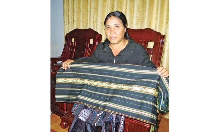 Gia Lai: Tăng thu nhập từ nghề dệt thổ cẩm