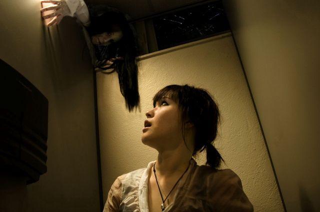 Awas, Hantu Hanako Muncul Di Toilet Kamu! [ www.BlogApaAja.com ]