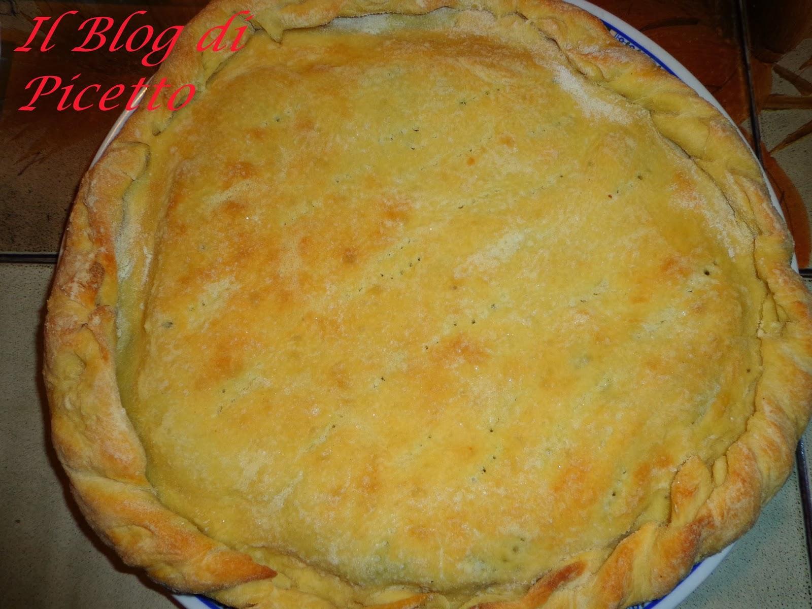 pizza rustica ripiena di gorgonzola, radicchio trevigiano e 'nduja cotta su pietra refrattaria