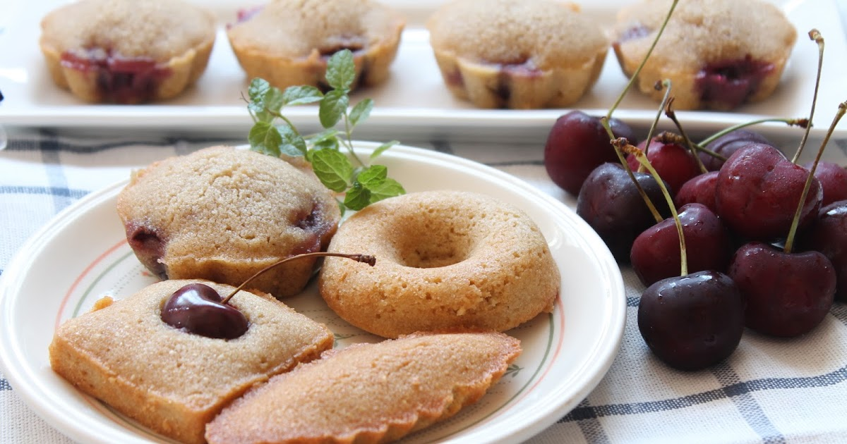my bare cupboard: Cherry Financiers