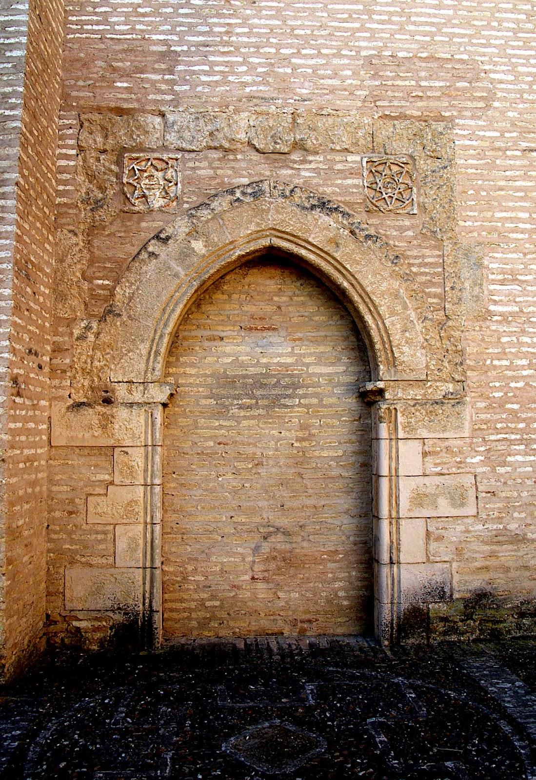 Leyendas de sevilla monasterio de san isidoro del campo for Puerta 7 campo de mayo