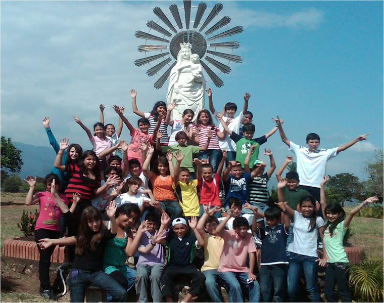 """Grupo de 6to """"B"""" año escolar 2010 - 2011"""
