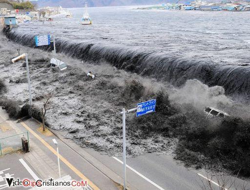 http://1.bp.blogspot.com/-hoRs3E8-Ti0/TYvAt_TAJpI/AAAAAAAAADA/810b1ijZBVM/s1600/mortal-terremoto-tsunami-japon-tiempos.jpg