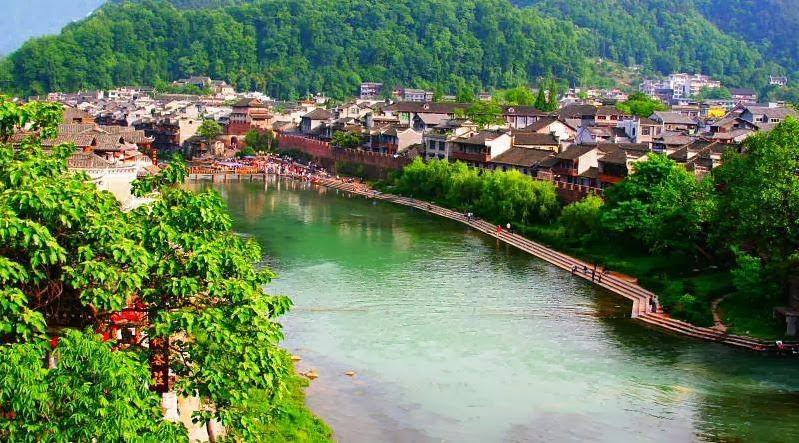 صور طبيعة نهر