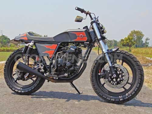 Foto Modifikasi Yamaha Scorpio, Black Flat Tracker