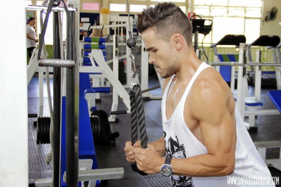 Puxador tríceps corda - 4 séries de 10 repetições - 40 kg - Foto: Marcos Januário