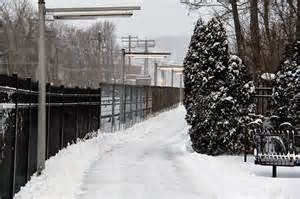 http://www.bing.com/images/search?q=snow+in+white+plains+ny&view=detailv2&&&id=13911996AD434DEF8CA0B30198E27BA817CEE2F8&selectedIndex=9&ccid=nSVctcdx&simid=608021740160813943&thid=HN.608021740160813943