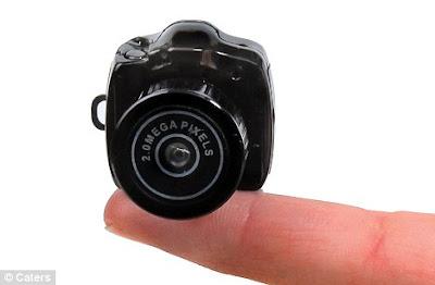 Kamera terkecil di dunia yang muat di hujung jari anda