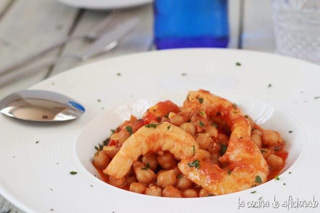 cocina garbanzos con langostinos: